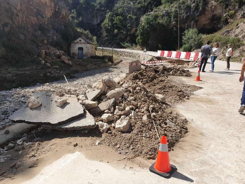 Daños en una carretera afectada por la DANA. EPDA