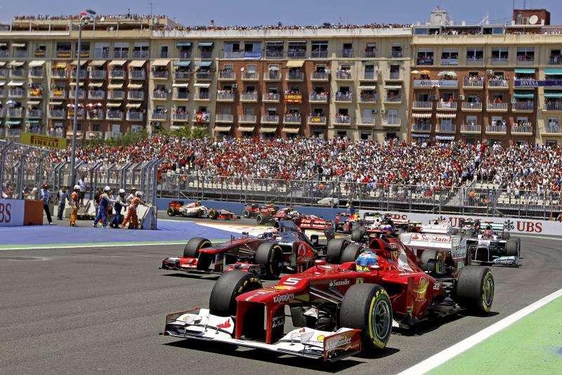 Un momento de una de las carreras de F1 disputada en el circuito urbano de Valencia. EFE/ Archivo