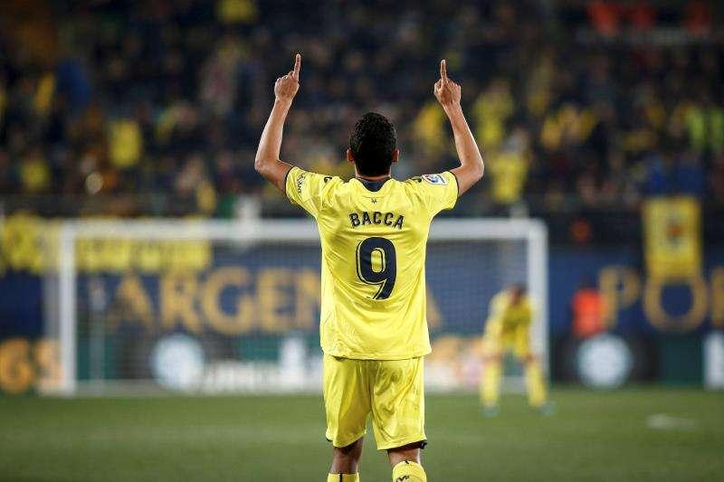 El delantero del Villarreal Carlos Bacca celebra un gol. EFE/Archivo