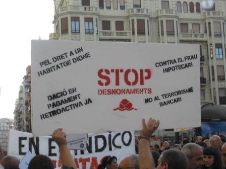 Manifestación en Valencia contra las soluciones
