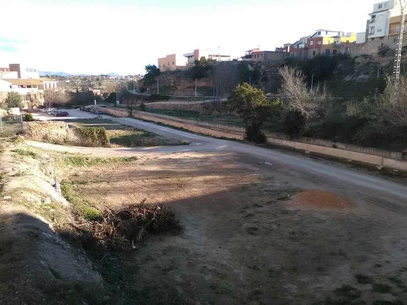 Uno de los terrenos destinados a los huertos para los vecinos. //EPDA