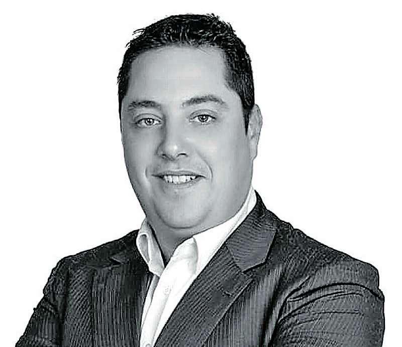 Vicente J. Hernandis