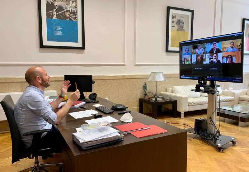 Toni Gaspar en la videoconferencia con los representantes municipales de la comarca