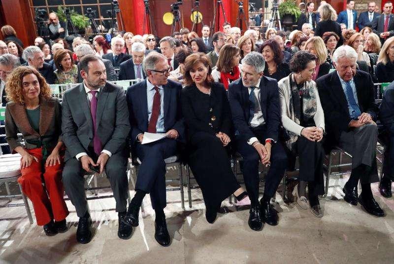 Varios ministros en el acto de homenaje a Carmen Alborch. EFE