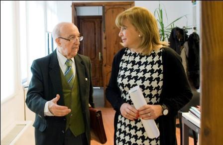 Visita del Dr. Fornes con la diputada provincial de Bienestar Social, Amparo Mora. Foto: Abulaila