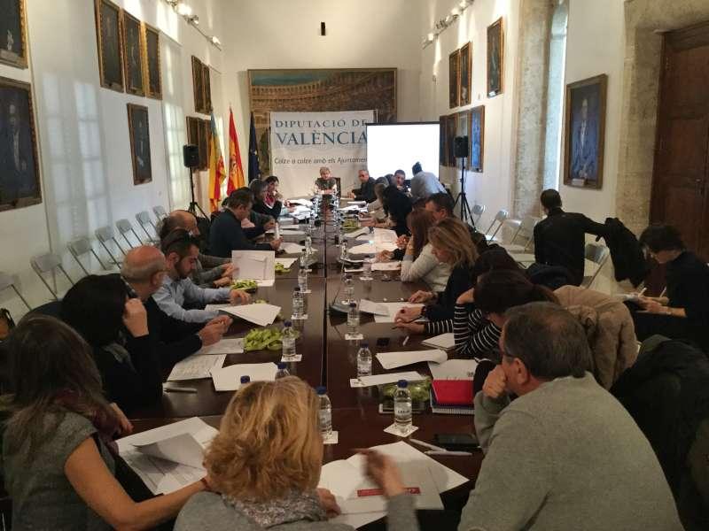 PIlar Moncho en la reunió celebrada en la Diputació.