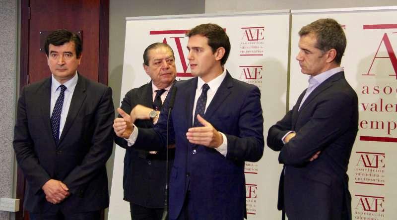 Rivera con Giner y Toni Cantó en Valencia