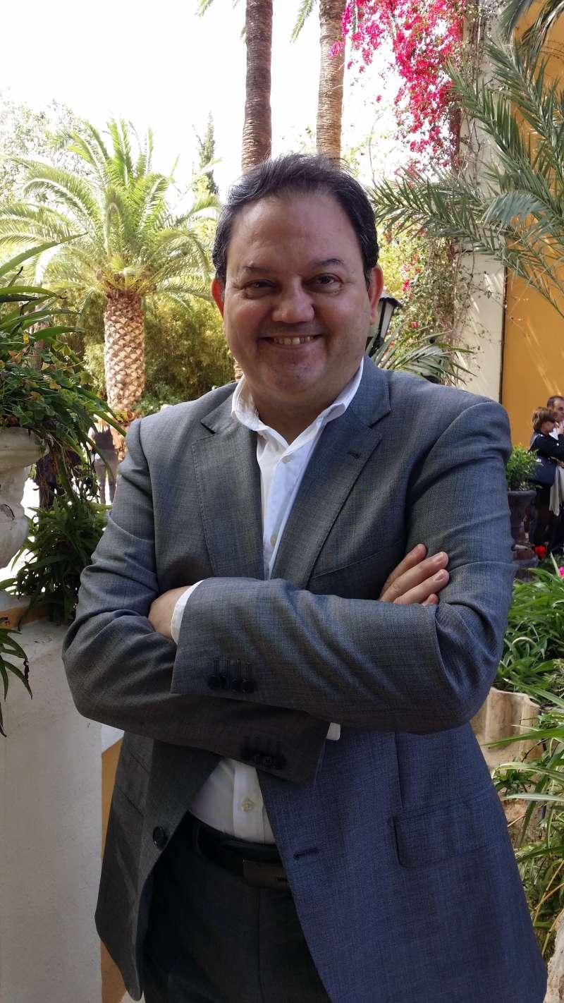 José Cruz. EPDA