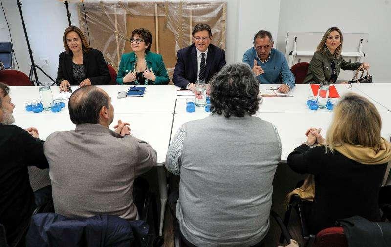 El president de la Generalitat y secretario general del PSPV-PSOE, Ximo Puig (centro), ha mantenido una reunión sobre Formación Profesional y empleo. EFE