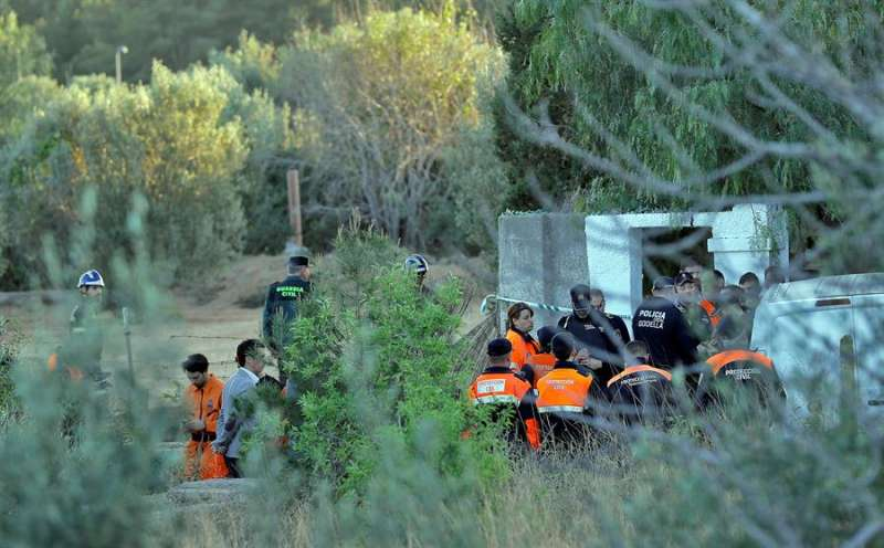 La Guardia Civil, en el escenario del crimen. - EFE