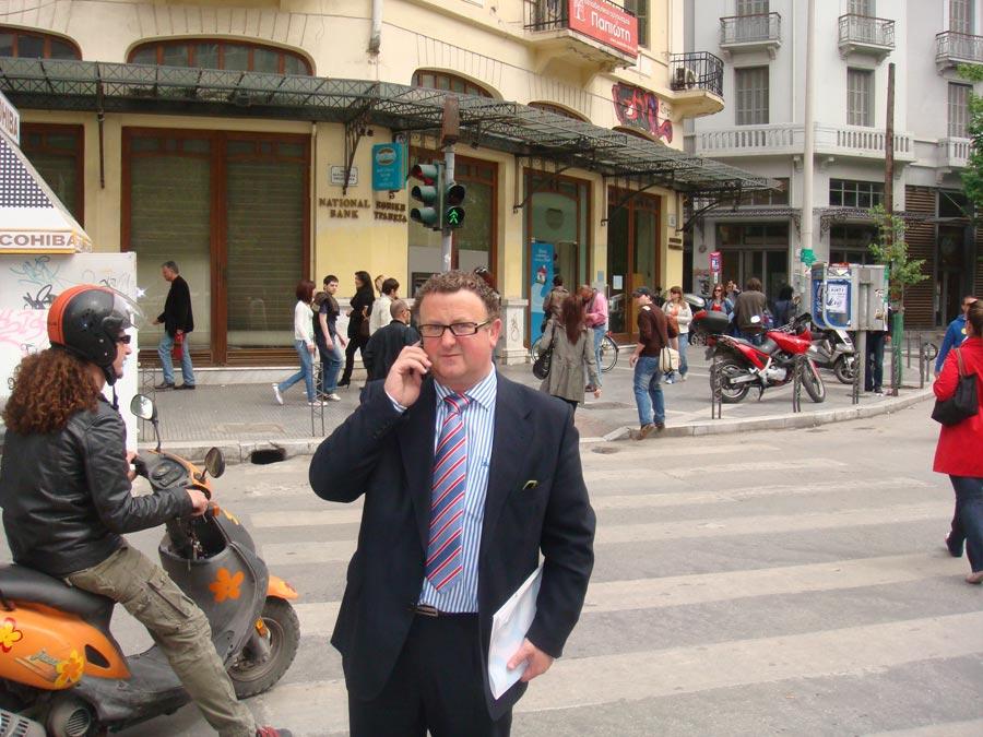 Murgui, siempre al teléfono. FOTO EPDA