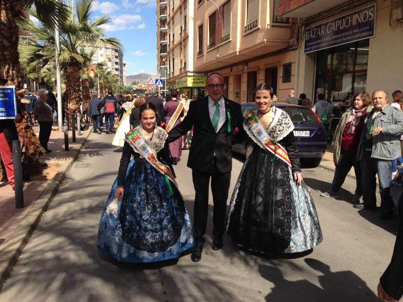 El alcalde con Gema Aliaga e Inmaculada Moliner