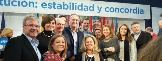 Fabra junto a Rajoy y otros líderes del PP. FOTO PPCV.COM