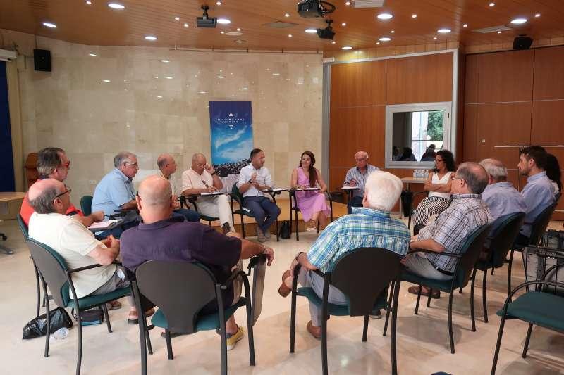 La consellera Mireia Mollà reunida con la Comunidad General de Usuarios del Medio y Bajo Vinalopó y L