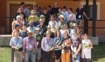 Delegación internacional de especialistas ganaderos en visita a la Granja San Ramón. Foto EPDA