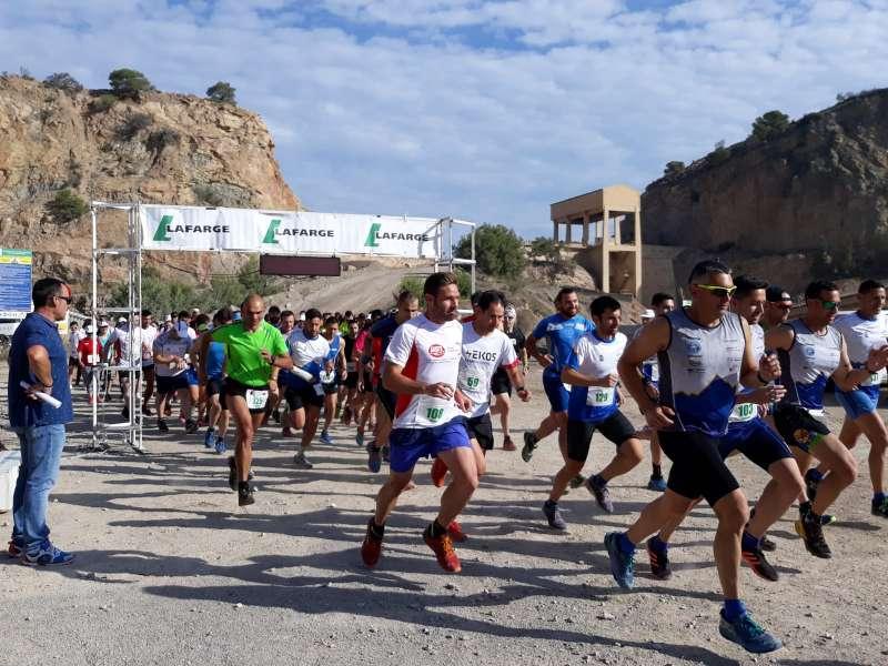 Atletas de la VI Carrera Solidaria Cantera Salt del Llop. EPDA