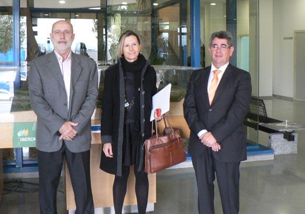 De izquierda a derecha, Santiago Fraile, presidente de la Asociación Gremial de Taxis de Valencia,Mar Mrtínez, directora de la Agencia Valenciana de la Movilidad y Alfredo Quijano, director de ITE. FOTO EPDA