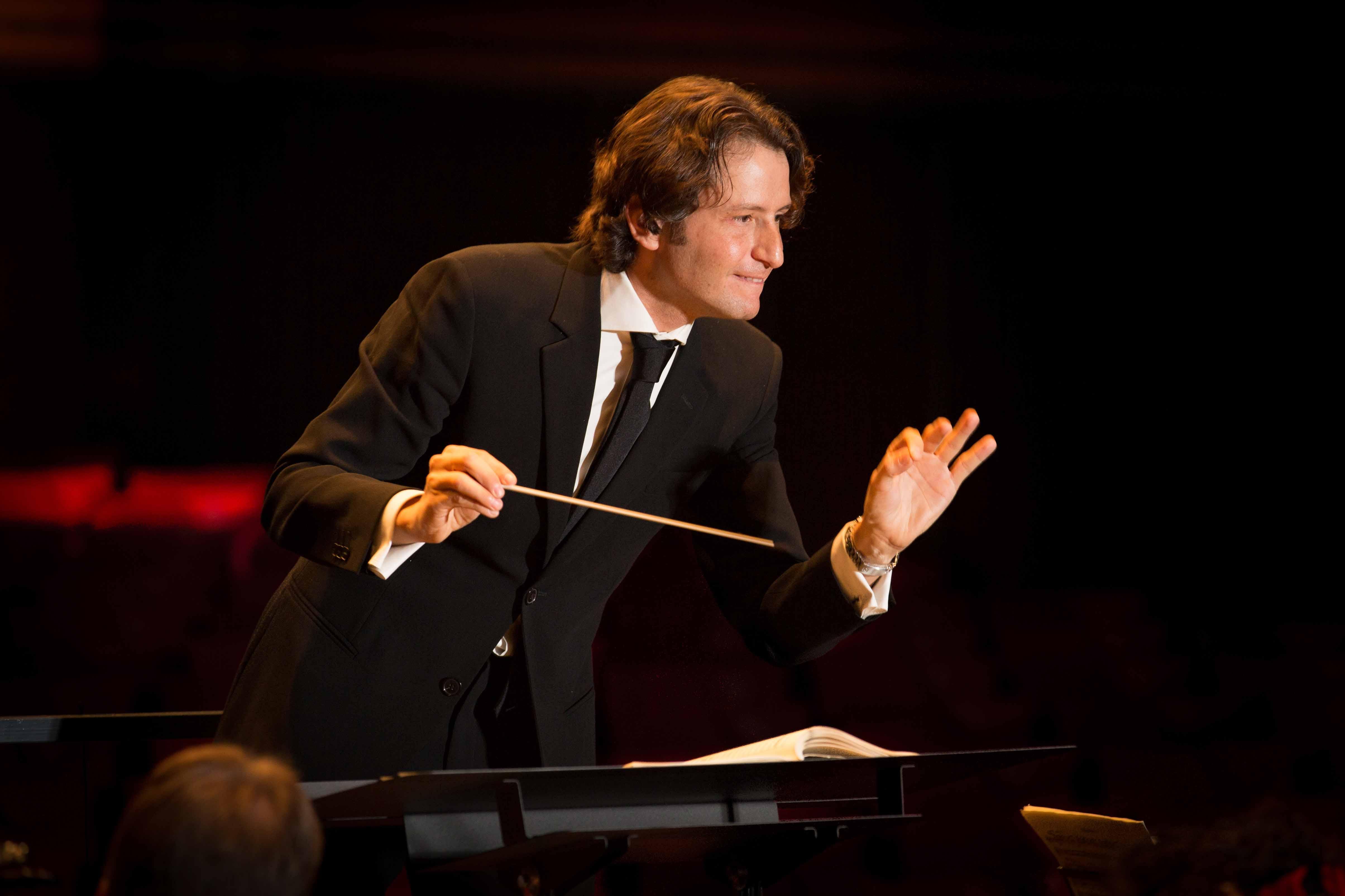 El director valenciano Gustavo Gimeno. Foto: EPDA