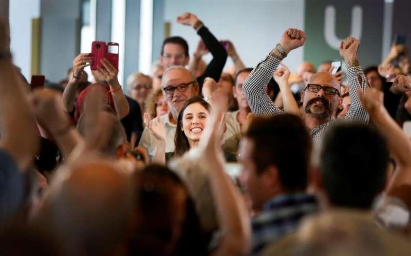 La número dos de Unidas Podemos al Congreso por Madrid, Irene Montero, en un encuentro con militantes y simpatizantes en la ciudad de Alicante. EFE/Manuel Lorenzo