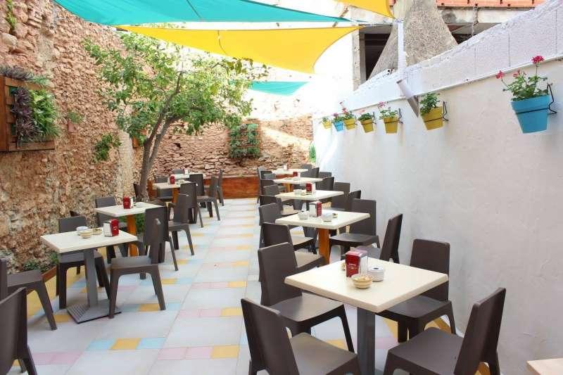 Patio interior del Restaurante La Llimera de Rafelbunyol. / epda