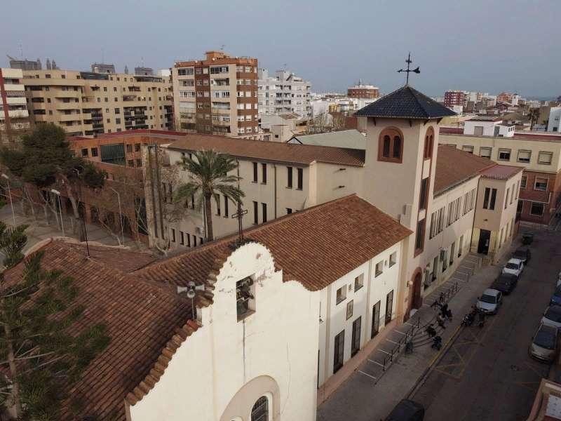 Imatge aèrea del CEIP Mediterrani, de Port de Sagunt. Foto: Paco Quiles