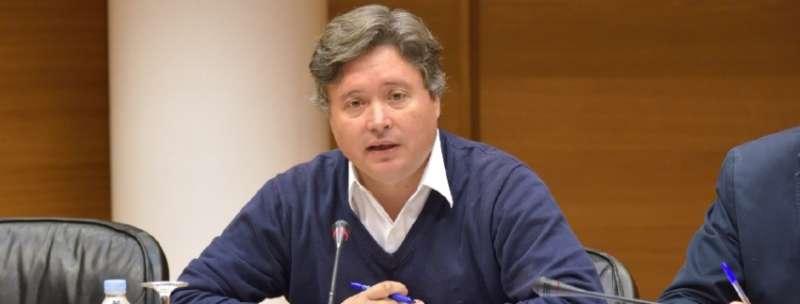 El presidente de la gestora del PP de Valencia ciudad, Luis Santamaría