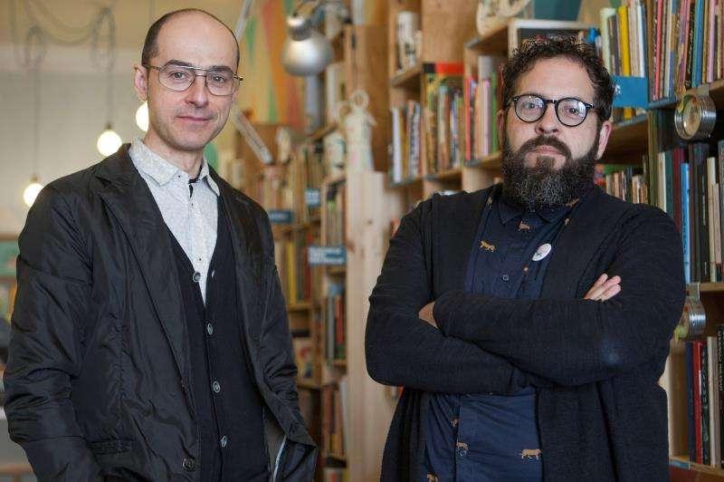 Javier Undiano y Julio Antonio Blasco, alias Sr. López, artífices de la librería galería especializada en ilustración Estudio 64. EFE