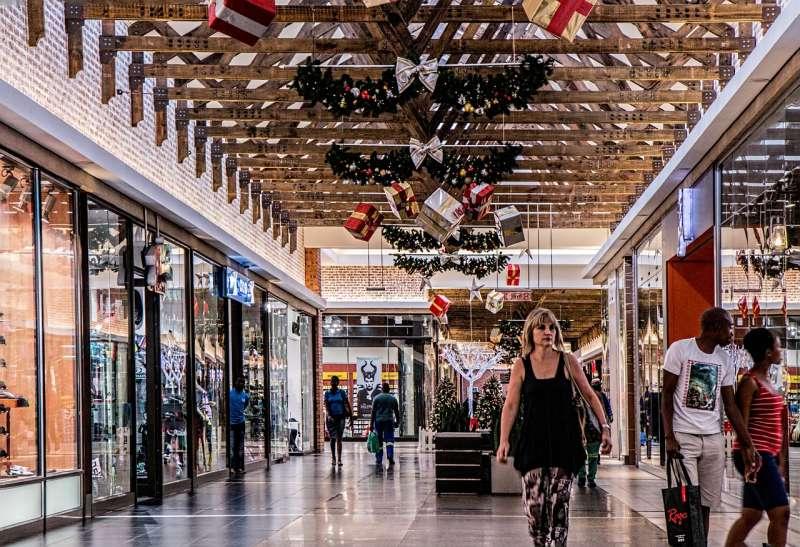 Centro Comercial en plena campaña de Navidad. EPDA