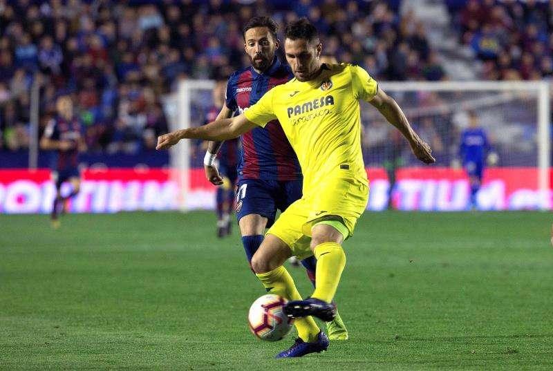 El defensa del Villarreal Víctor Ruiz, durante un partido. EFE/Archivo