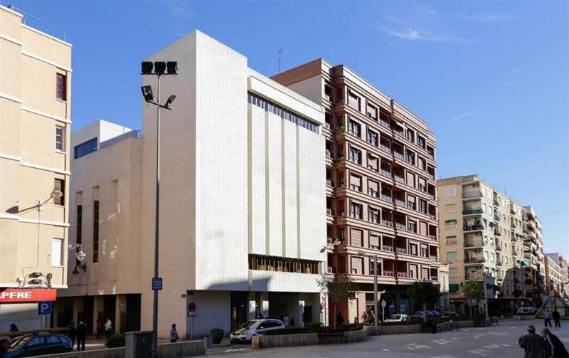 Centro Cultural de Mislata con el nombre de Carmen Alborch.