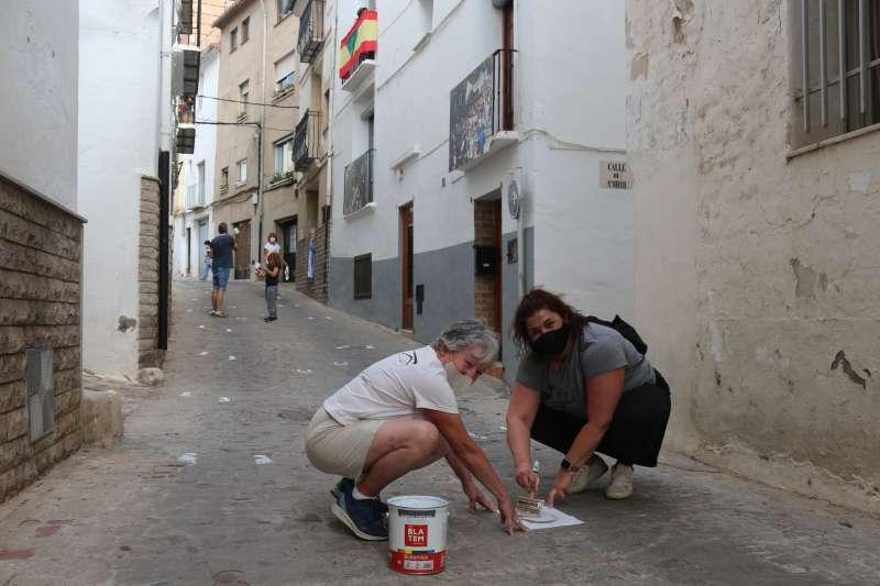 Las calles del casco viejo se llenan de pisadas