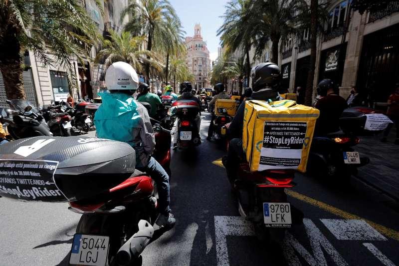 Los riders protestan en Valencia