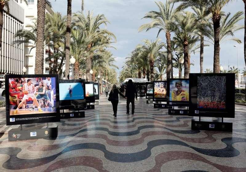 Una imagen de archivo de la Explanada de Alicante. EFE