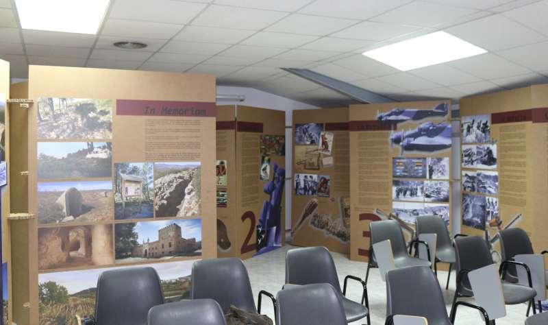 Los paneles ocupan una sala de la sede comarcal