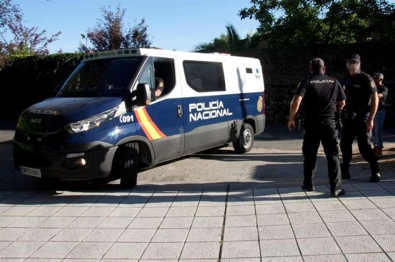 Agentes de la Policía Nacional en una operación antidrogas