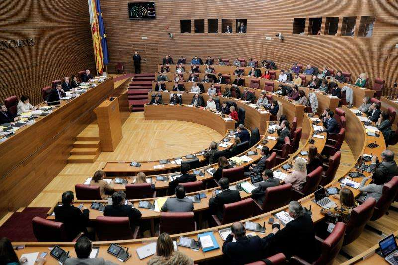 El pleno de Les Corts Valencianes, en el debate de los presupuestos de la Generalitat. EFE/Archivo