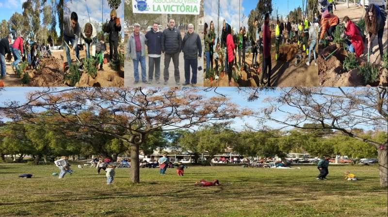 Participantes del Día del Árbol Urbano de la A. V. La Victòria de Port de Sagunt. EPDA