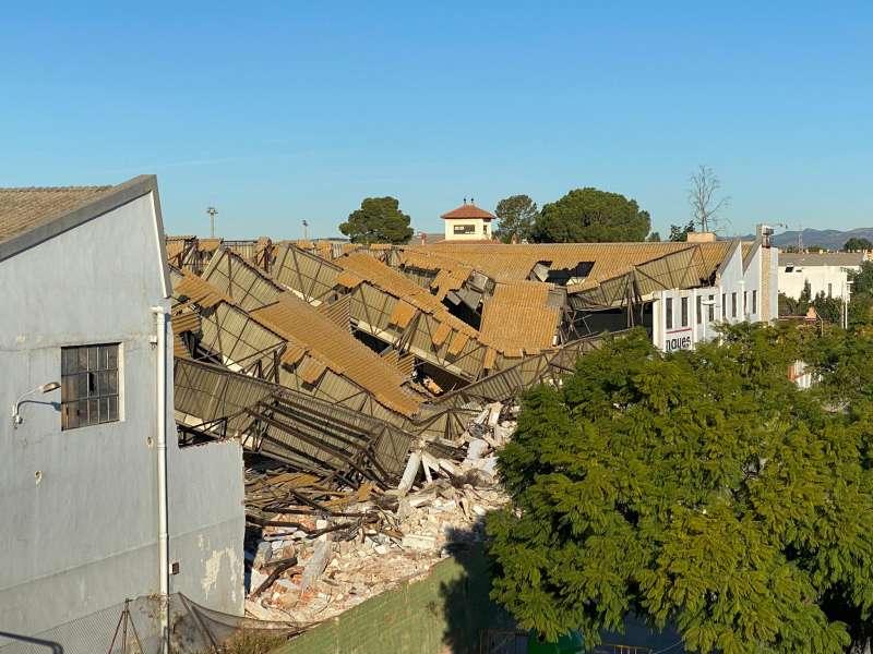 Derrumbe de la fábrica Nayes de Moncada. EPDA