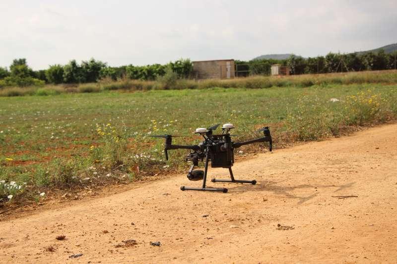 Imagen de archivo de un dron en un campo de Picassent. EPDA