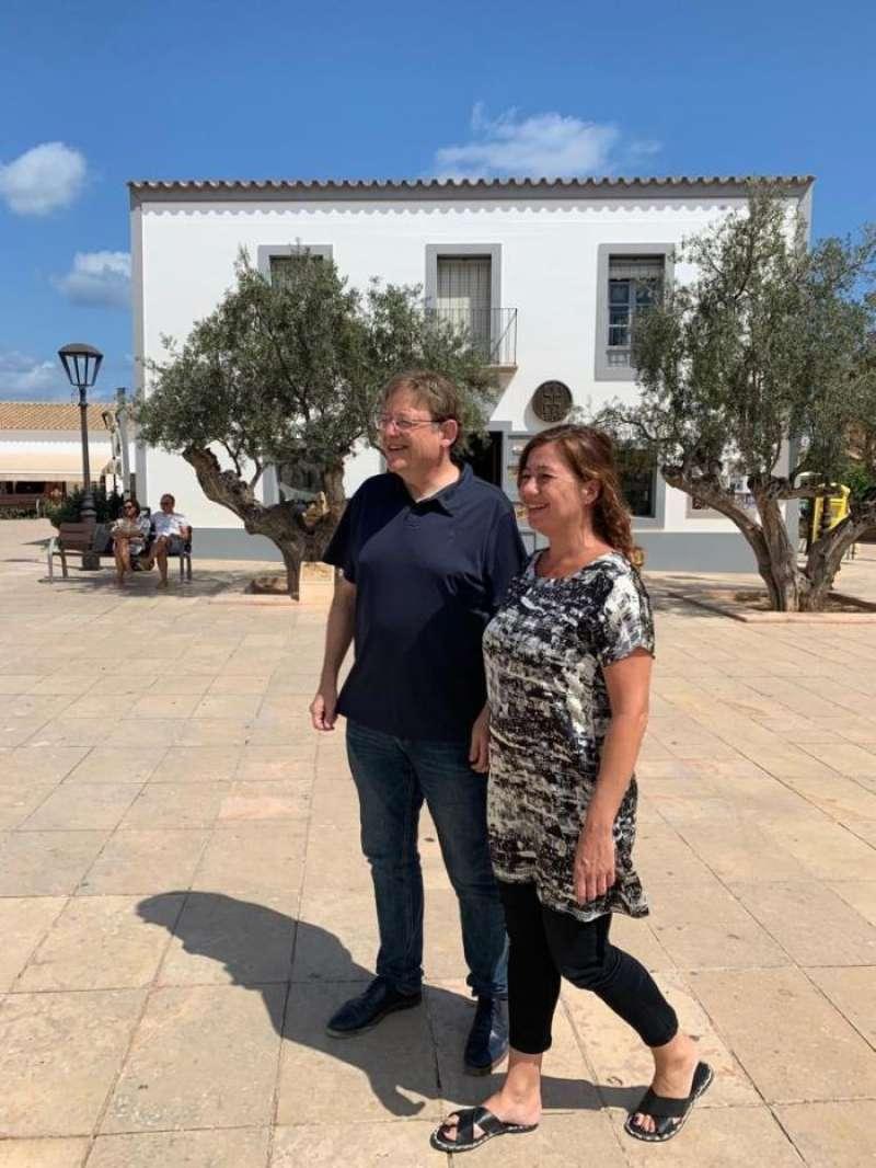 Foto cedida por la Generalitat de la reunión mantenida en Formentera por los presidentes autonómicos Ximo Puig y Francina Armengol.