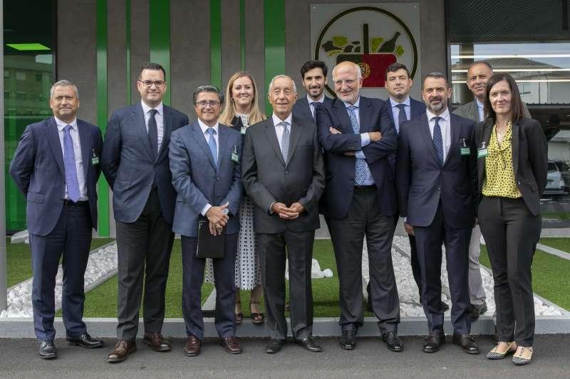 Sousa junto a Roig y miembros del equipo de Mercadona