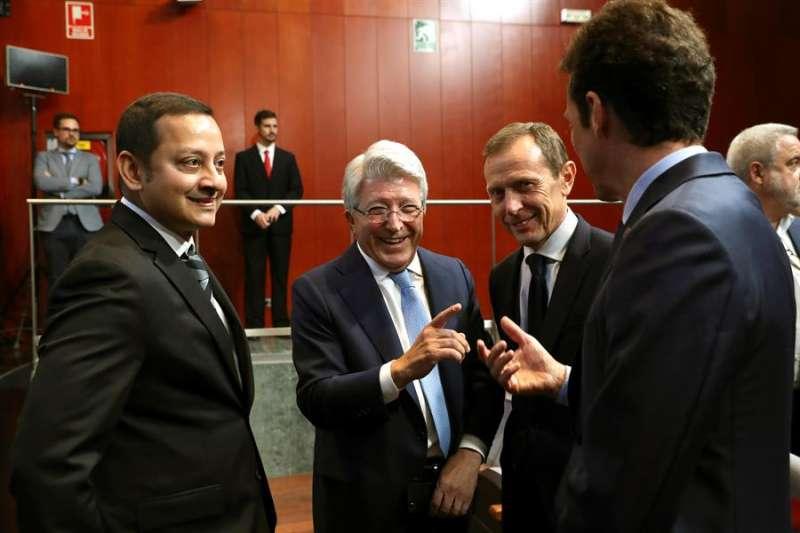 Anil Murthy, Enrique Cerezo, Emilio Butragueño y Guillermo Amor. EFE/Kiko Huesca
