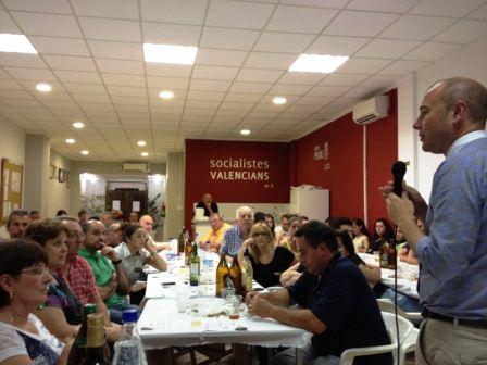 El portavoz socialista en la Diputación de Valencia y precandidato a la secretaría general del PSPV-PSOE a la provincia de Valencia, Toni Gaspar, en Almussafes. Foto EPDA