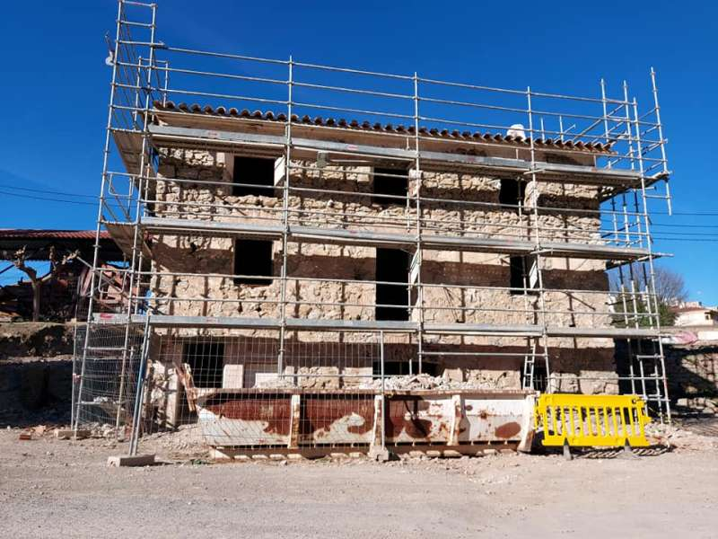 La primera fase consolidará estructuras y cubiertas