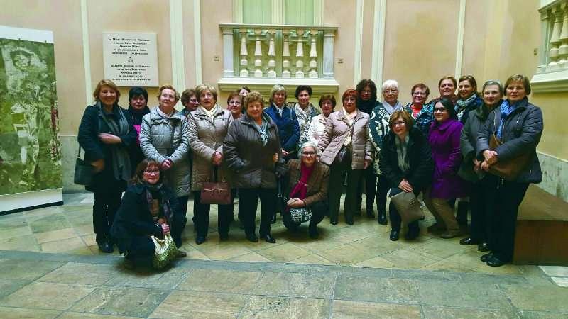 Foto de familia de los participantes en la excursión