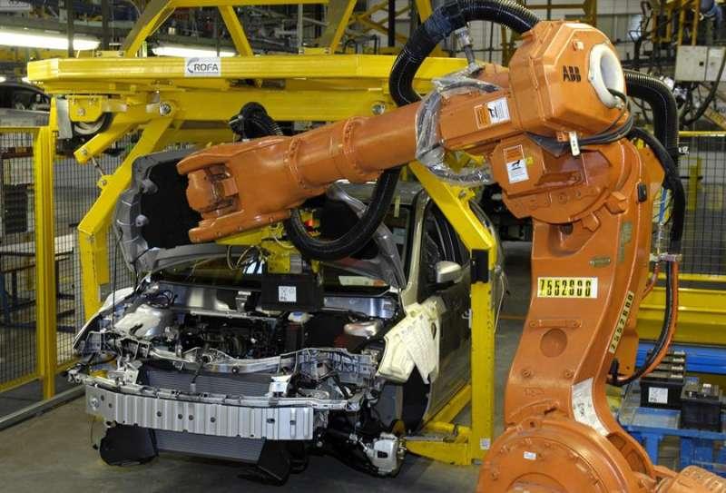 Fabricación de vehículos en la planta de Ford en Almussafes EFE/Archivo