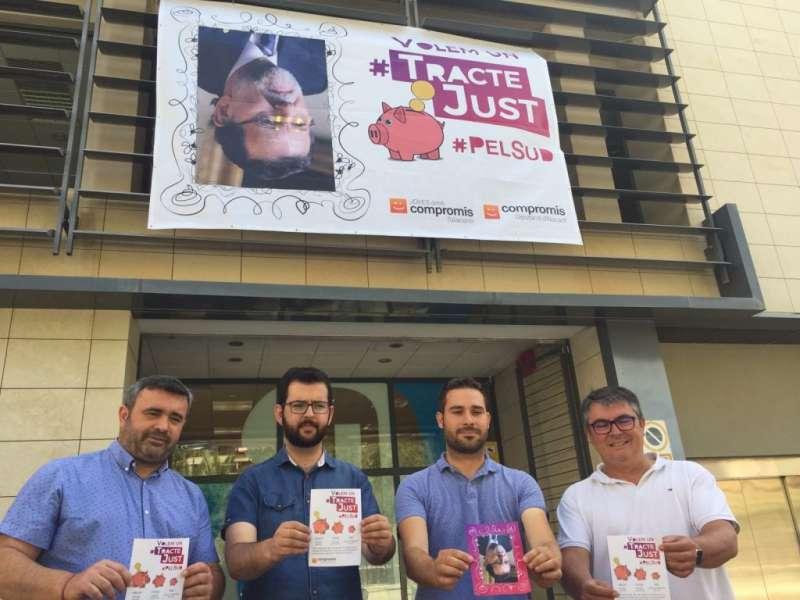 Diputats de Compromís i la foto de Rajoy a la Diputació d