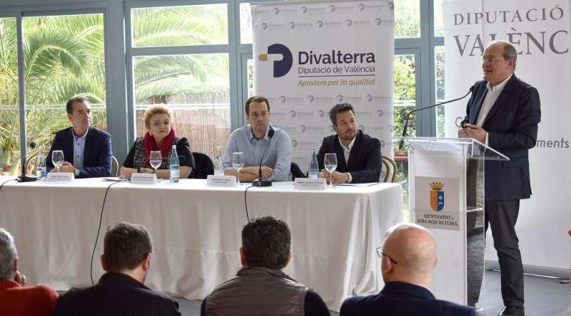 Una de las reuniones de la Asociación de Municipios del Eje A3. / EPDA