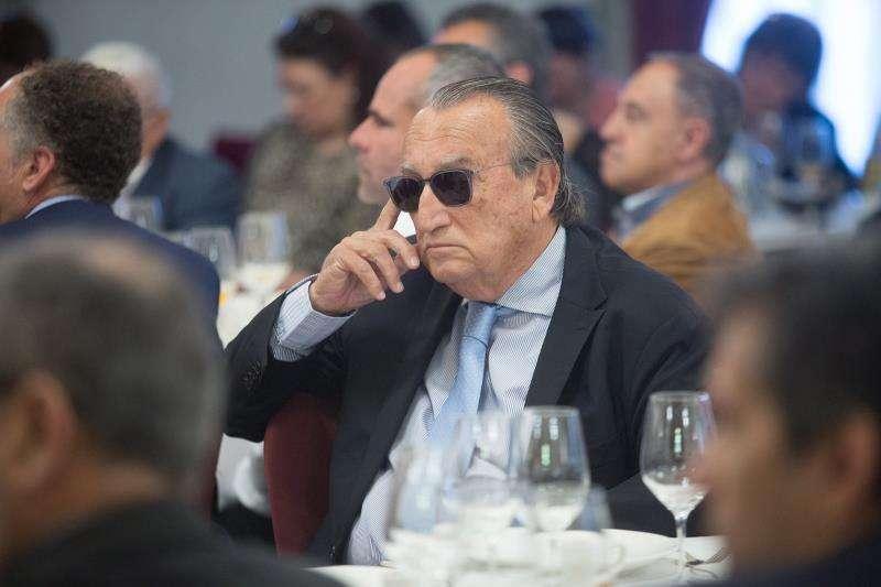 El expresidente del PP de Castellón y de la Diputación de esta provincia Carlos Fabra acudió hoy al desayuno informativo de la candidata del PP a la Alcaldía de Castelló, Begoña Carrasco EFE
