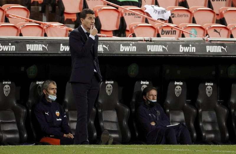El entrenador del Valencia, Javi Gracia, durante un partido del Valencia. EFE/Archivo/Manuel Bruque.